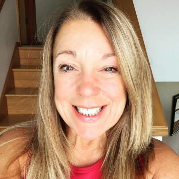Lisa Profile Picture
